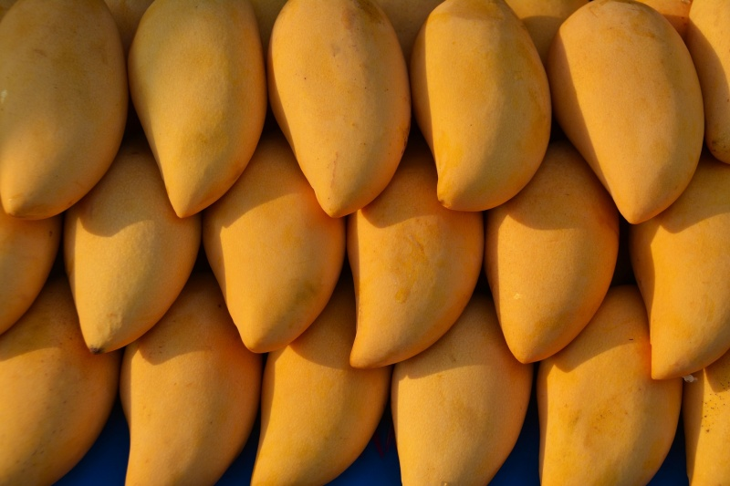 mangoes-1320111_1920