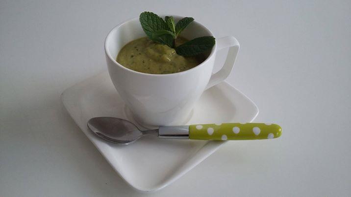 soupe froide de petits pois la menthe association miam. Black Bedroom Furniture Sets. Home Design Ideas