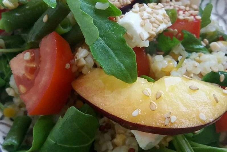 Salade de haricots verts, céréales, féta et nectarines bis