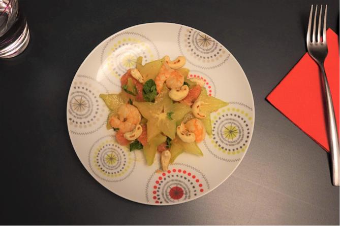 Salade de carambole, pamplemousse et cervettes