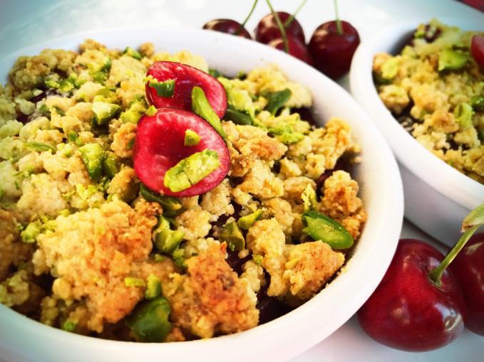 crumble cerise pistache